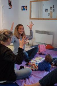 Juliette en atelier signes